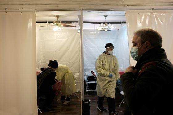 Restrictions Ease in U.S.; No Lockdown for France: Virus Update