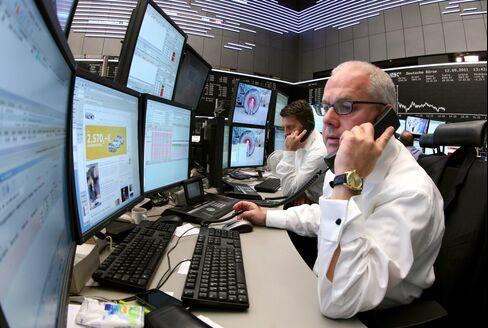 European Stocks Decline Amid Italy Concerns