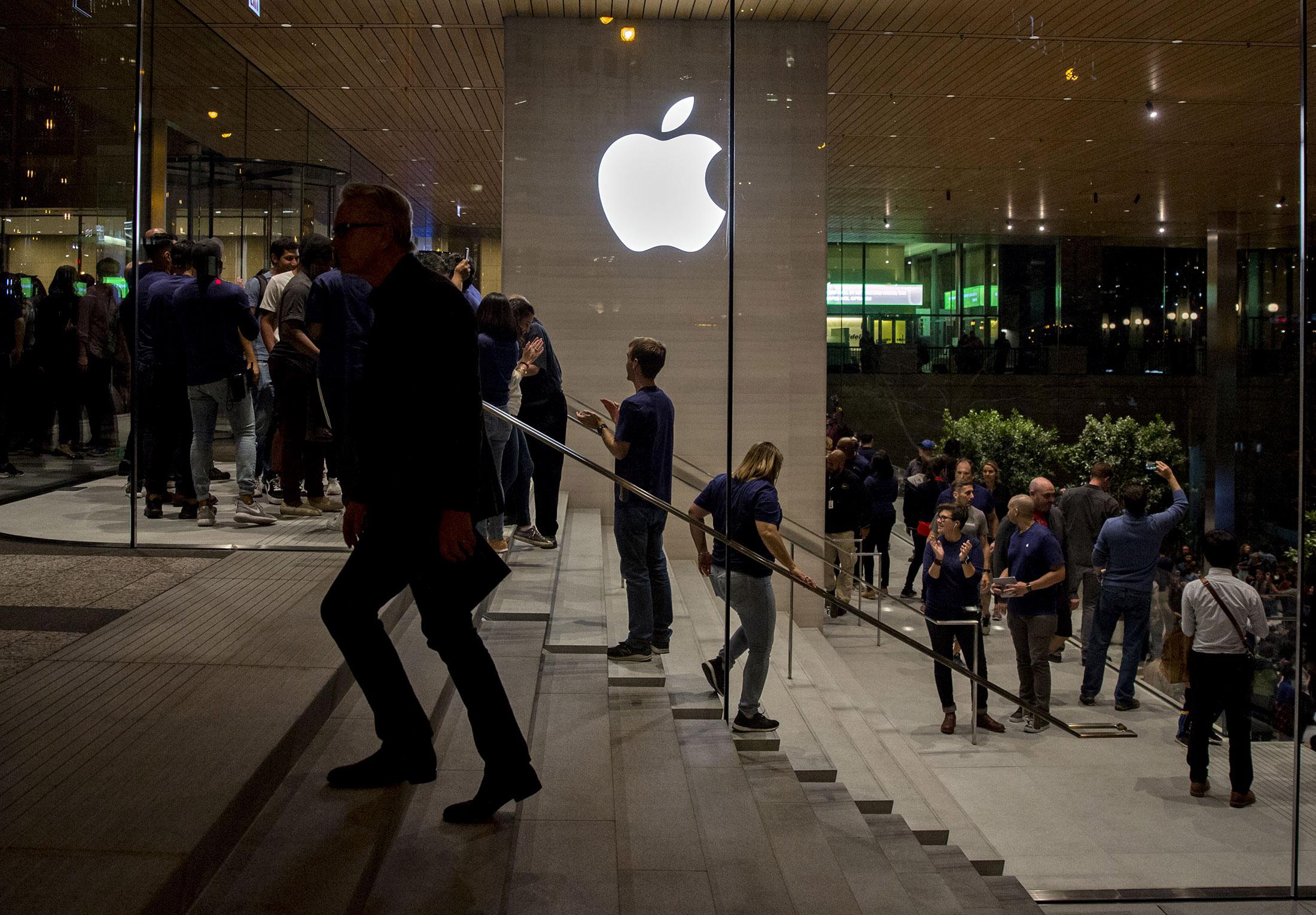 Aaplnasdaq gs stock quote apple inc bloomberg markets buycottarizona Gallery
