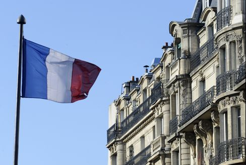 Paris Housing Prices Sputter as Hollande's Taxes Threaten Boom