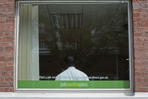 Carney Seen Hitting Jobless Threshold Earlier Than BOE Forecasts
