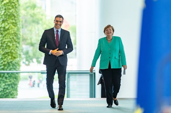 Merkel Heads Into EU Recovery Fund Talks Ready to Compromise