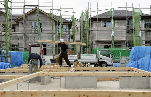 Abe Eyes Land-Price Reflation in Zones to Spur Building Boom