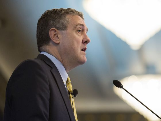 Bullard Says Market Ought to Relax Over Fed Loan Programs Ending