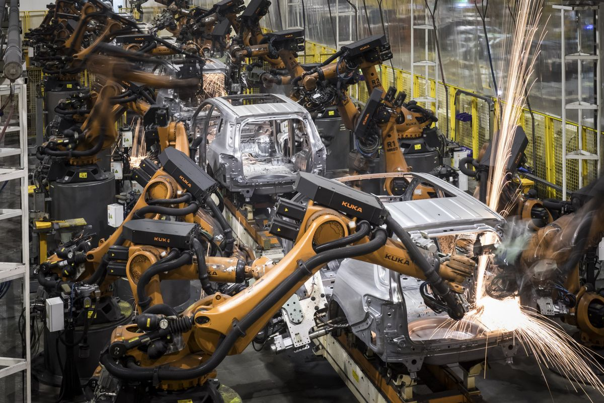 China Far Outpaces America in Bringing Robots to Factories