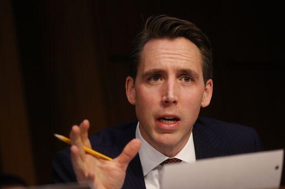 Facebook, Google Lawsuit Shield Targeted in GOP Senator's Bill