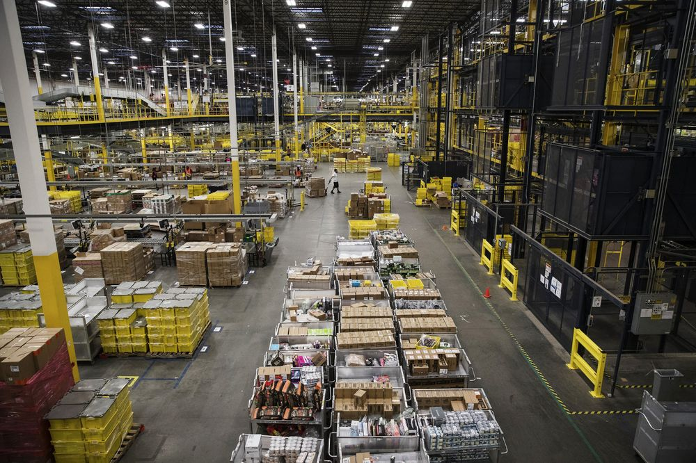 c9053965d Amazon Lets Muslim Workers Put Ramadan Before Prime Day - Bloomberg