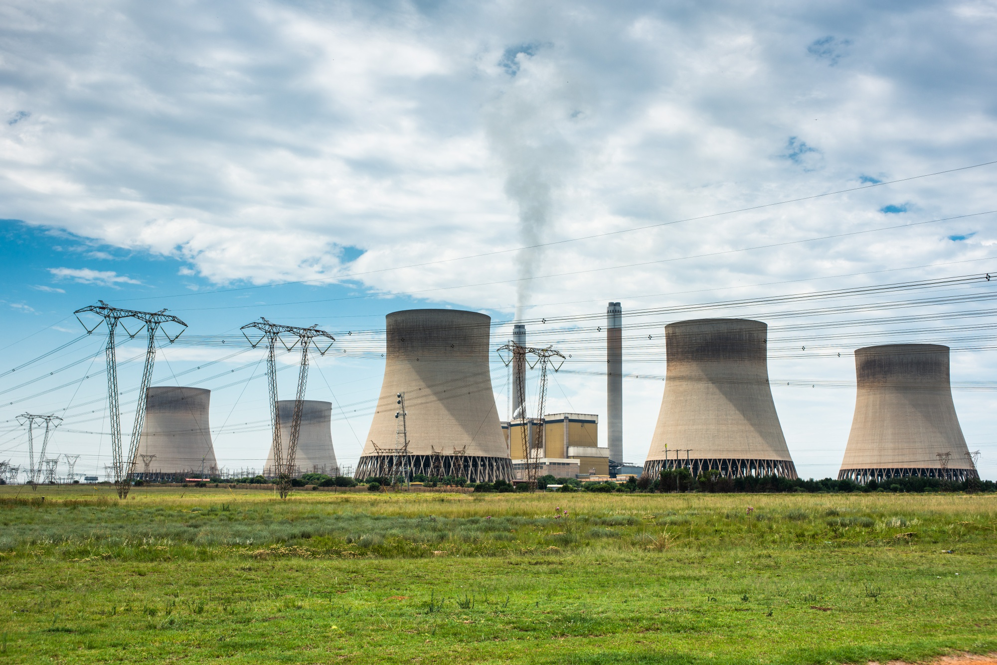 S. Africa Sued for Eskom, Sasol Air Pollution in Coal Belt - Bloomberg