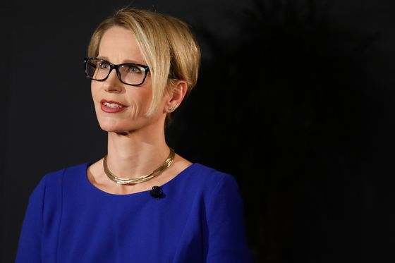 Glaxo's CEO Set to Highlight Cancer Ambitions With Key Drugs