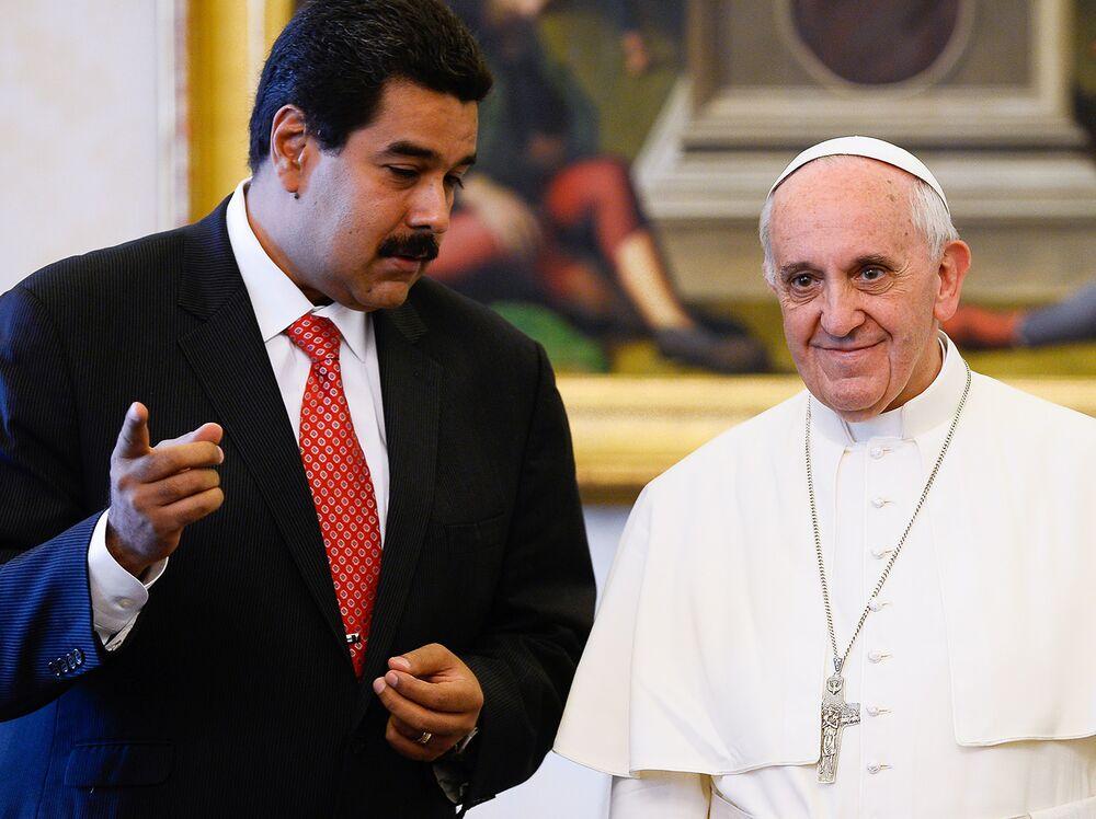 Papa Francisco y Nicolás Maduro en 2013.