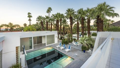 "Palm Springs' ""Miami Vice House"" was built in 1954 and relies heavily on glass brick."