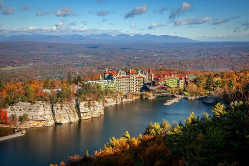 New hotels for fall foliage season in the northeastern u s for Design hotel upstate new york