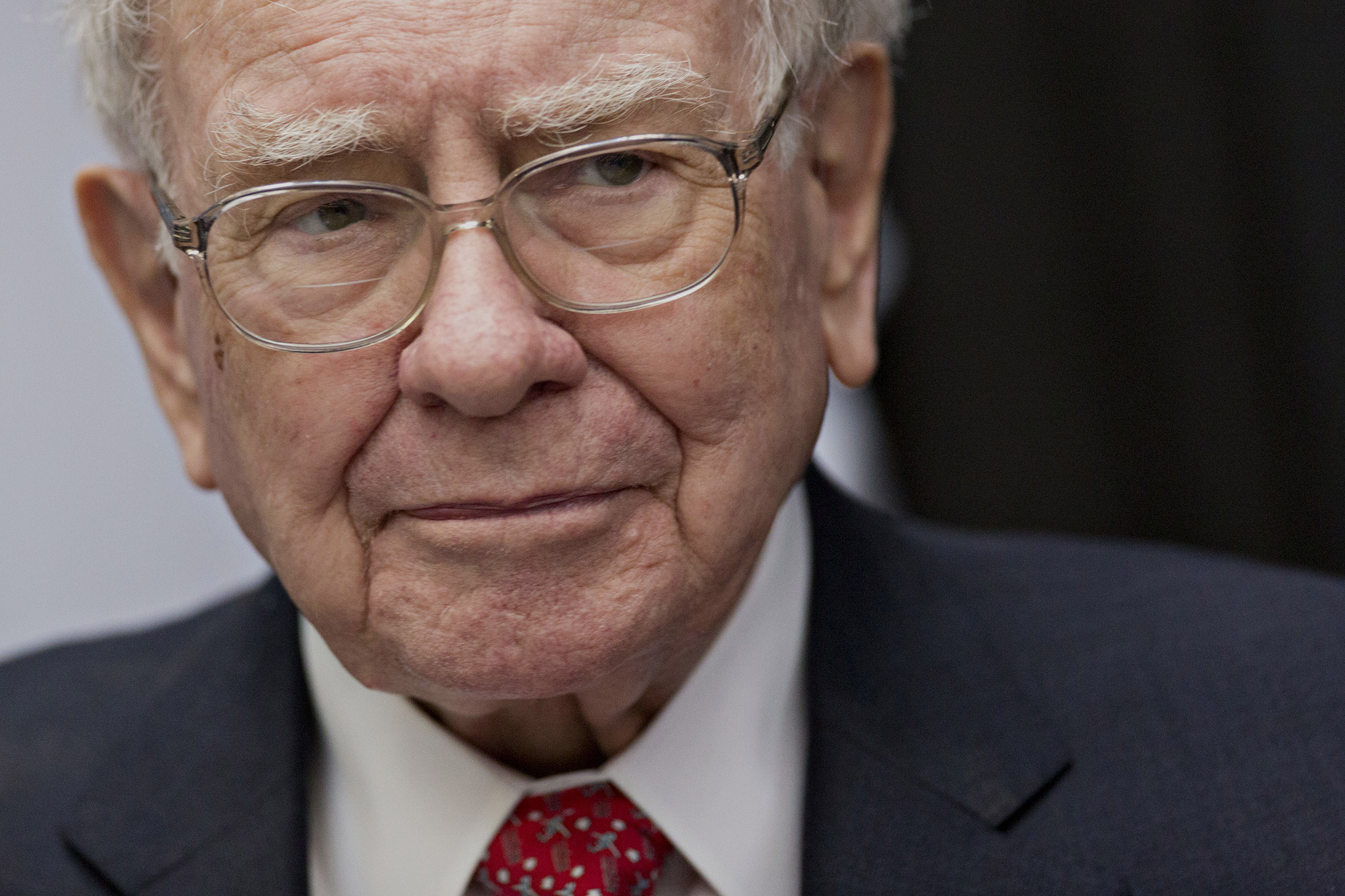 Is Buffett Jumping Into Web Stocks With Yahoo Deal? Not So Fast - Bloomberg