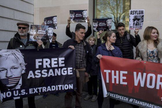 Assange's Long Standoff Ends With U.K. Arrest, U.S. Hacking Charges