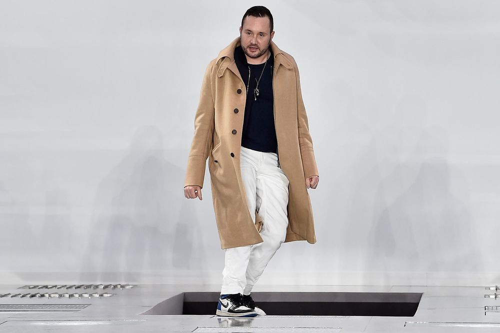 Dior Picks Former Vuitton Designer Kim Jones As Menswear Chief Bloomberg