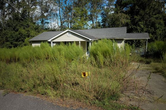 Hurricane Florence DrivesSome Residents to GiveUp on This Disaster-Prone Town