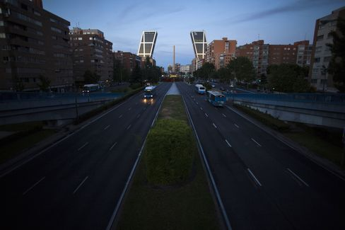 Spain Borrowing Costs Surge in First Post-Bailout Bill Auction