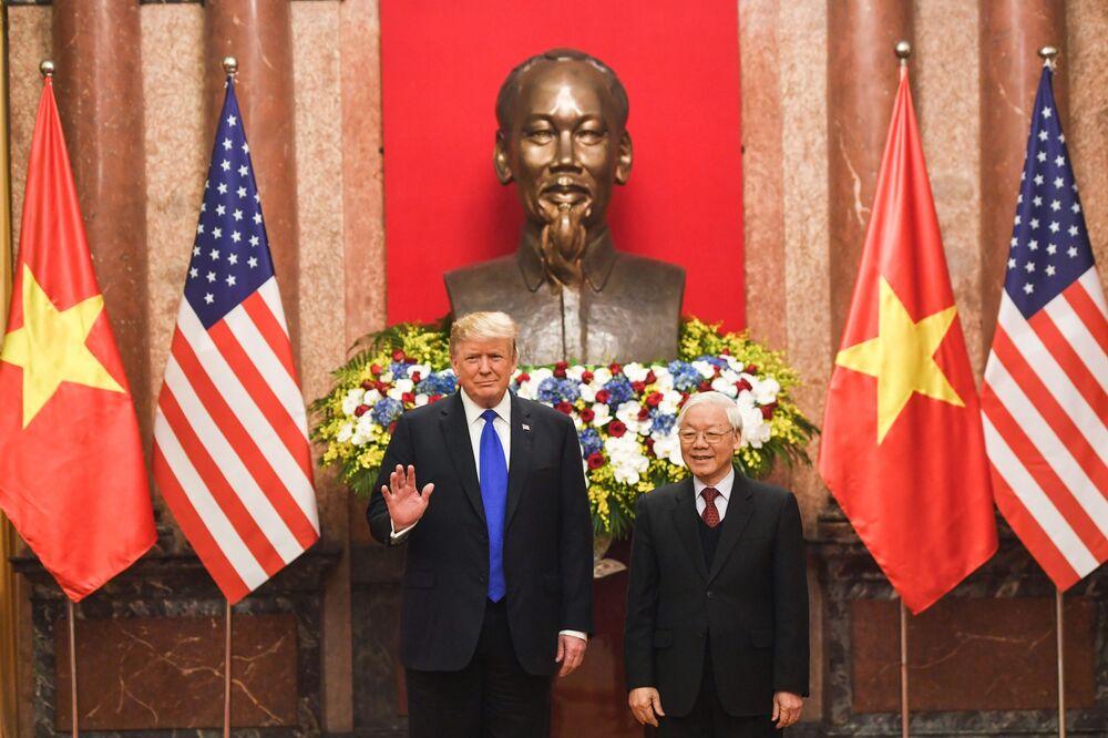 Boeing Signs $15.7 Billion Vietnam Orders on Trump's Visit - Bloomberg