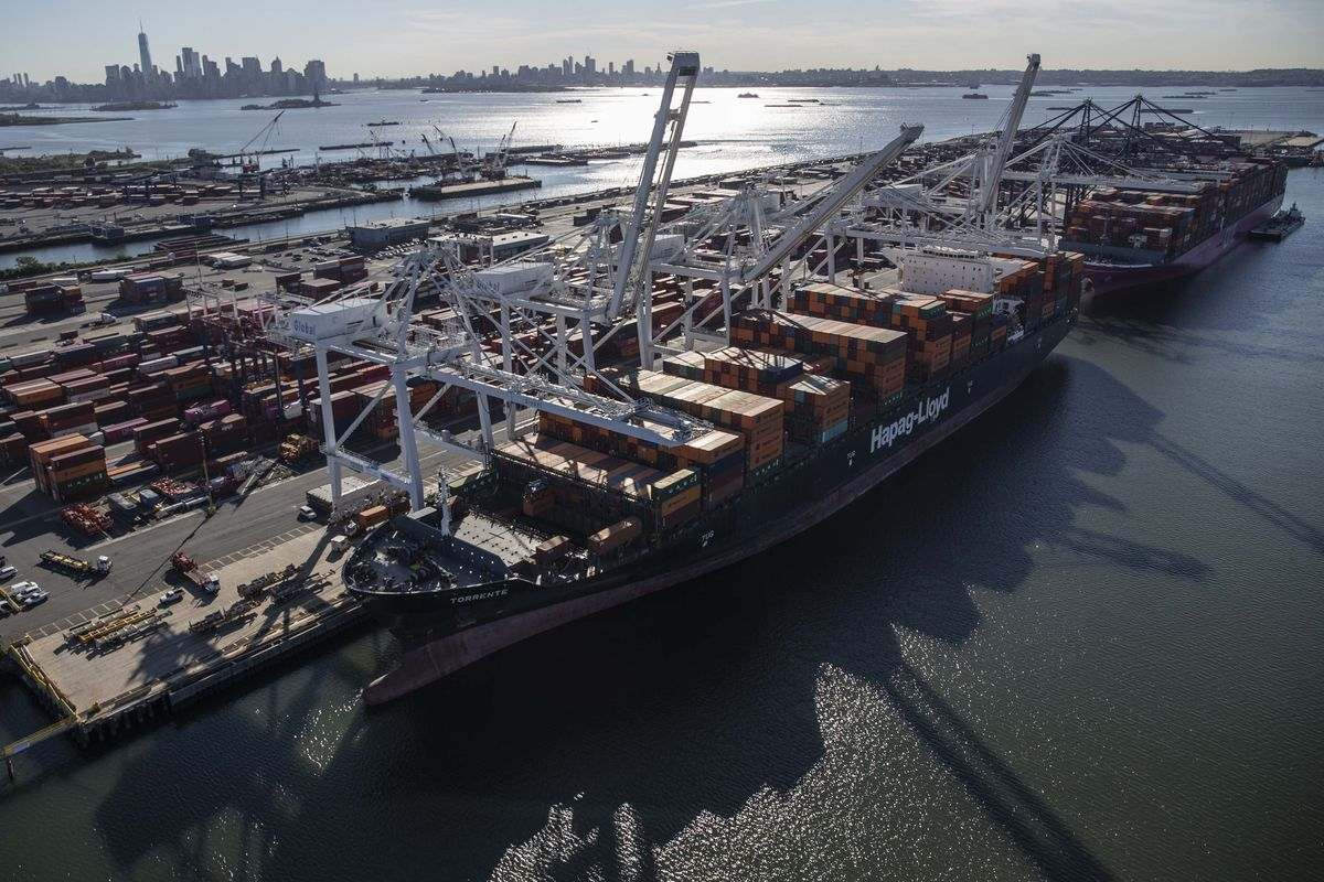 Freight-Broker CEO Sees Supply Snarls at Least Through February