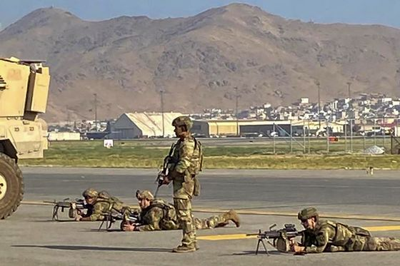 U.S., Taliban in Talks to End Airport Chaos: Afghanistan Update
