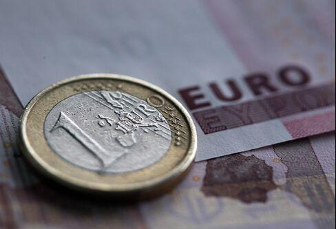 Euro Falls Against Yen, as Italy's Berlusconi Faces Vote