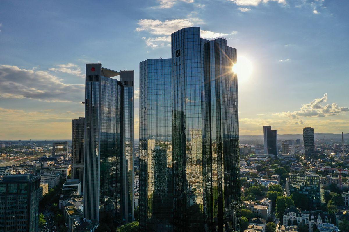 Deutsche Bank Builds Global EM FX Trading Engine in Singapore thumbnail