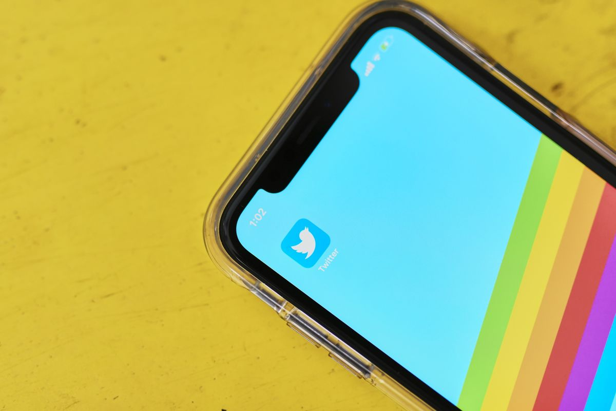 Twitter Rises After Adding 5 Million Users, Beating Estimates