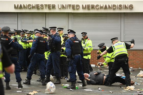 Manchester United Owners Rocked by Protest at Breakaway Plot