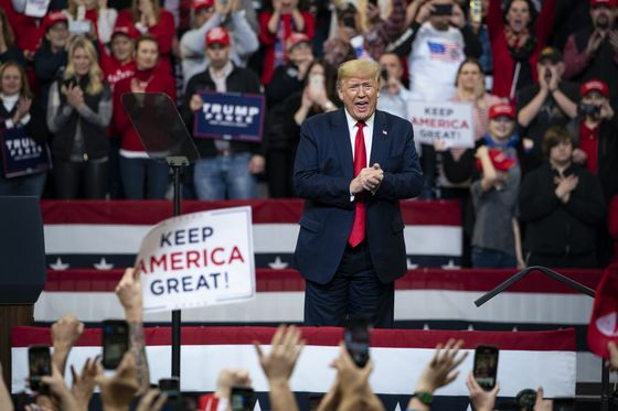 Trump Tests Re-Election Ground Game With Blitz on Iowa Caucus