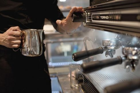 Tipped Workers Are Nearly Twice as Likely to Be Poor