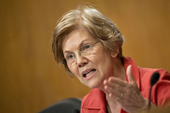 Elizabeth Warren Says Leveraged Lending Lapses Invite New Crisis