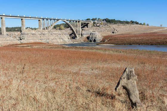 Spanish UtilityFaces Villagers' Ire in Row Over Shrinking Reservoir