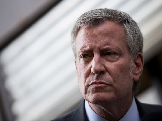 Bill De Blasio Slams Amazon's 'Abuse of Corporate Power'