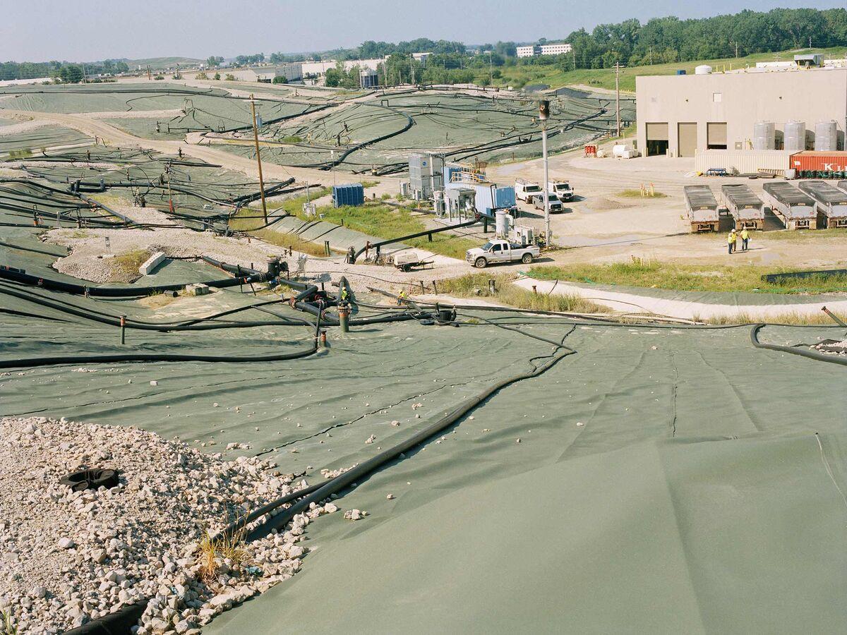 Fighting the Toxic Nightmare Next Door - Bloomberg
