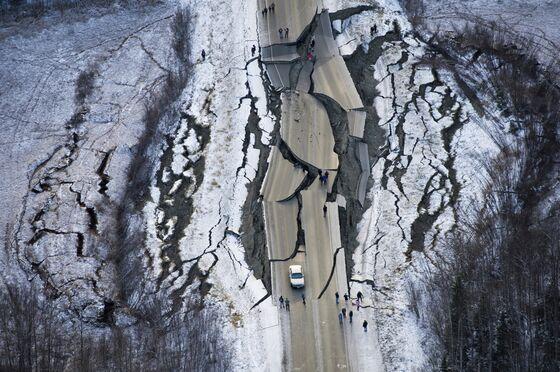U.S. Declares Emergency After Quake Leaves Alaska in Darkness