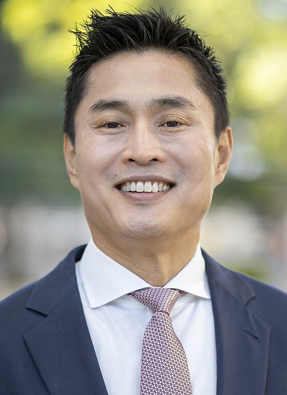 Secret Calpers Meeting on CIO Meng's Exit Sparks Legal Fight