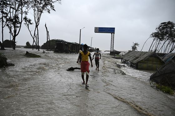 India Evacuates 2 Million as Storm Slams Coast