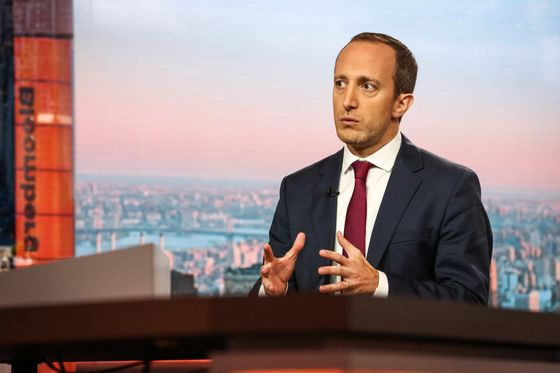 Invesco FX Manager Goes Long on Risk Despite Data 'Cratering'