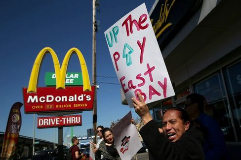 Fast-Food CEOs Make 1,000 Times the Pay of the Average Fast-Food Worker