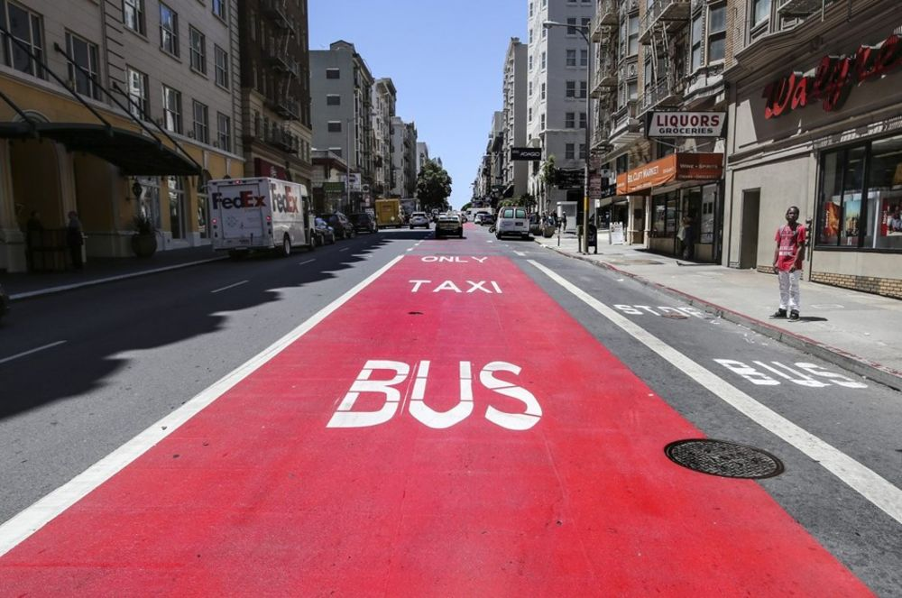 How 'Tactical Transit Lanes' Help Buses Beat Traffic - Bloomberg