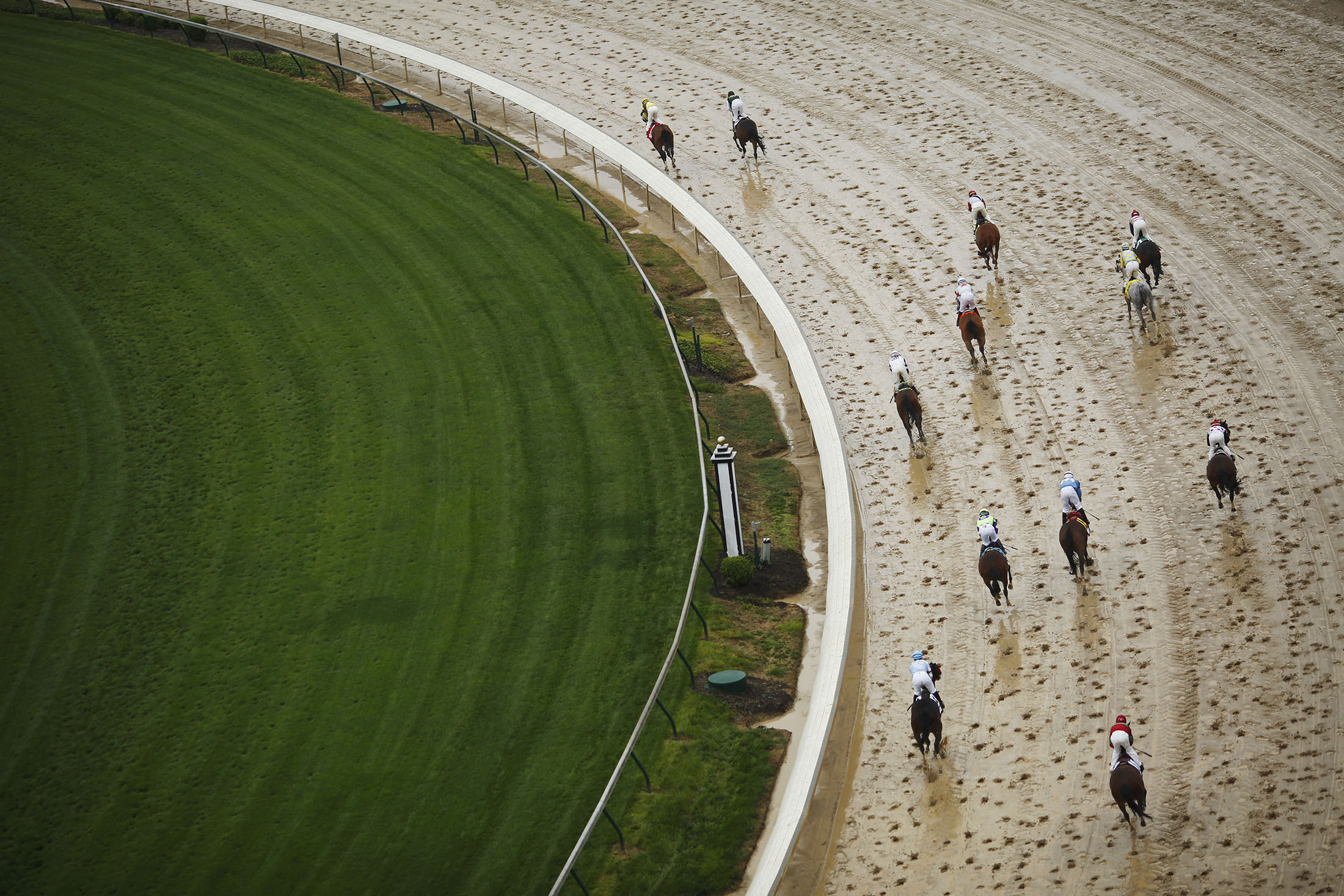 Z capital eyes future of sports wagers with horse racing deal z capital eyes future of sports wagers with horse racing deal bloomberg falaconquin