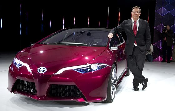Toyota Names Japanese Successor to Longest-Serving America Chief