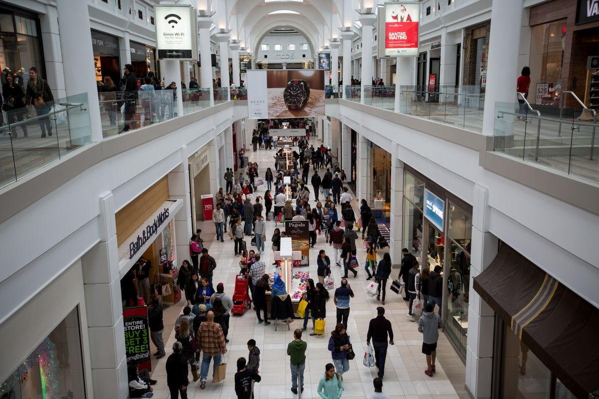 Mall Owners, Retailers Clash on Avalanche of Online Returns