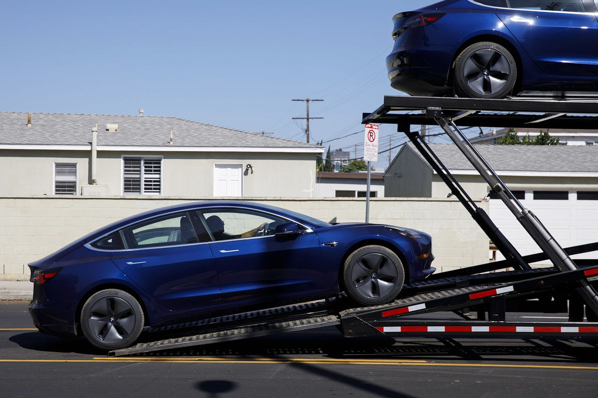 Elon Musk's Driveway Deliveries Could Be the Key to Maintaining Momentum