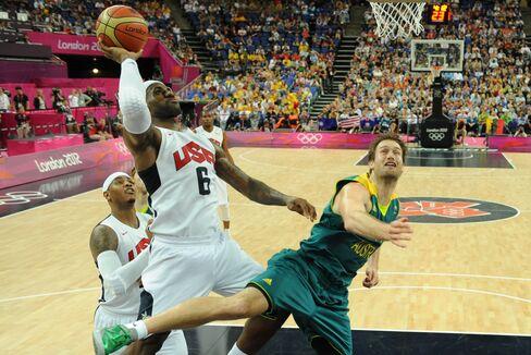 U.S. Beats Australia, Faces Argentina in Men's Basketball Semis