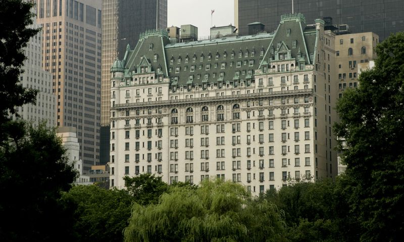 Plaza Hotel Owner Hires Broker To Find Er For Nyc Icon