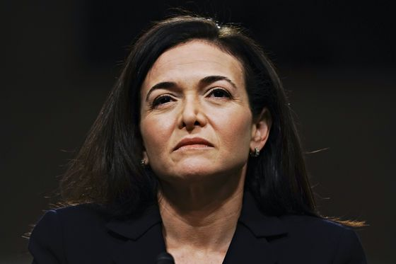 Facebook's Sheryl Sandberg Meets With Senators Ahead of U.S. Fine