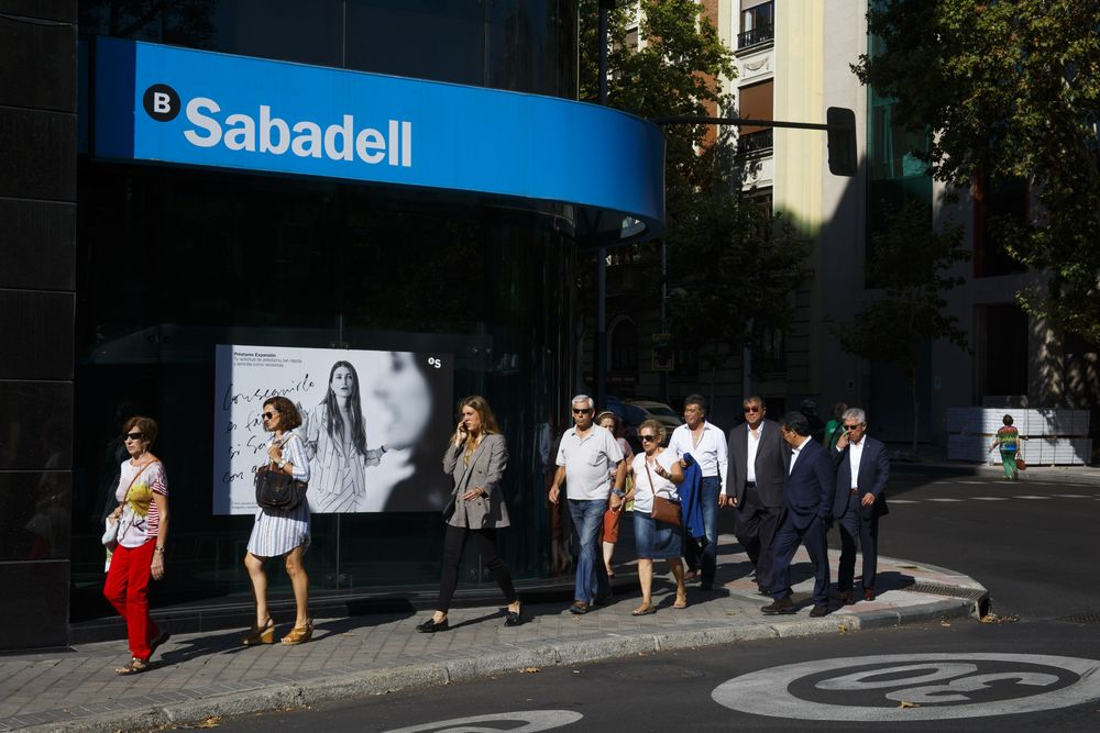Spain's Sabadell Pays the Price for TSB Computer Meltdown - Bloomberg