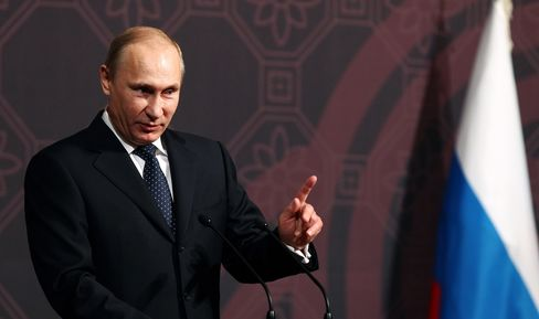 Putin Deports Foreign Executives for Speeding as Sanctions Loom