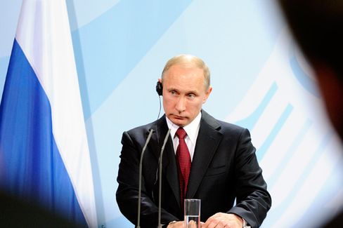 Bloomberg View: Is Vladimir Putin Going Back to the U.S.S.R.?